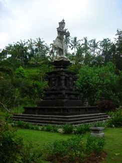 Statue of God Indra