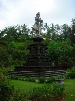 Statue of God Indra